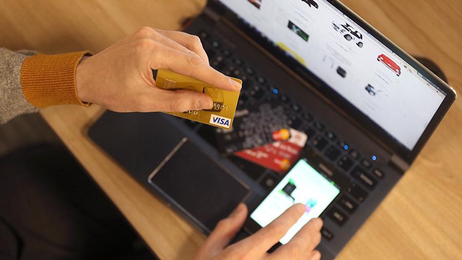 Отечественные интернет-магазины обяжут принимать оплату банковскими картами